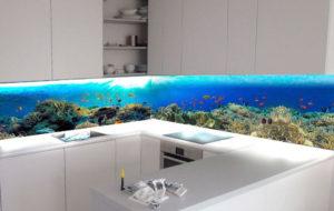 Фартук стеклянный кухня аквариум